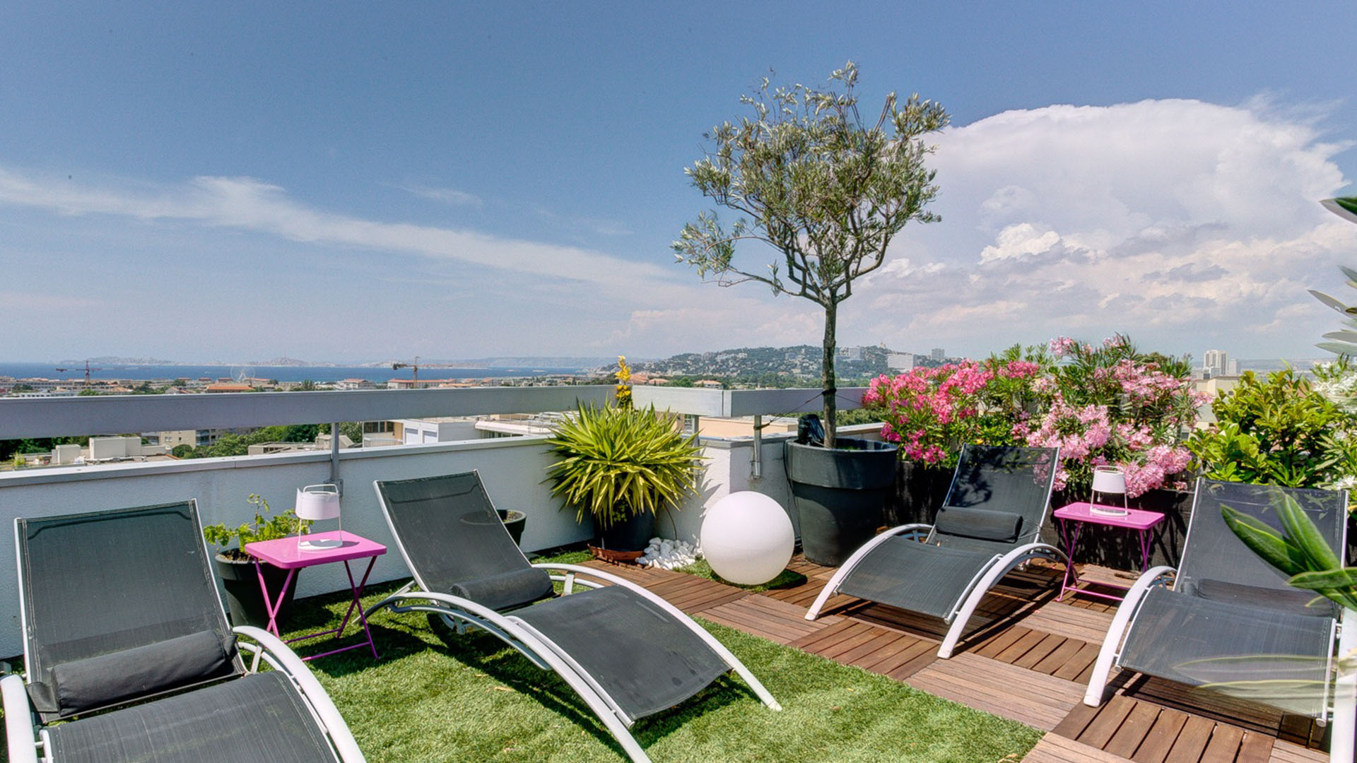 Luxueux Duplex terrasse Roof Top 13008
