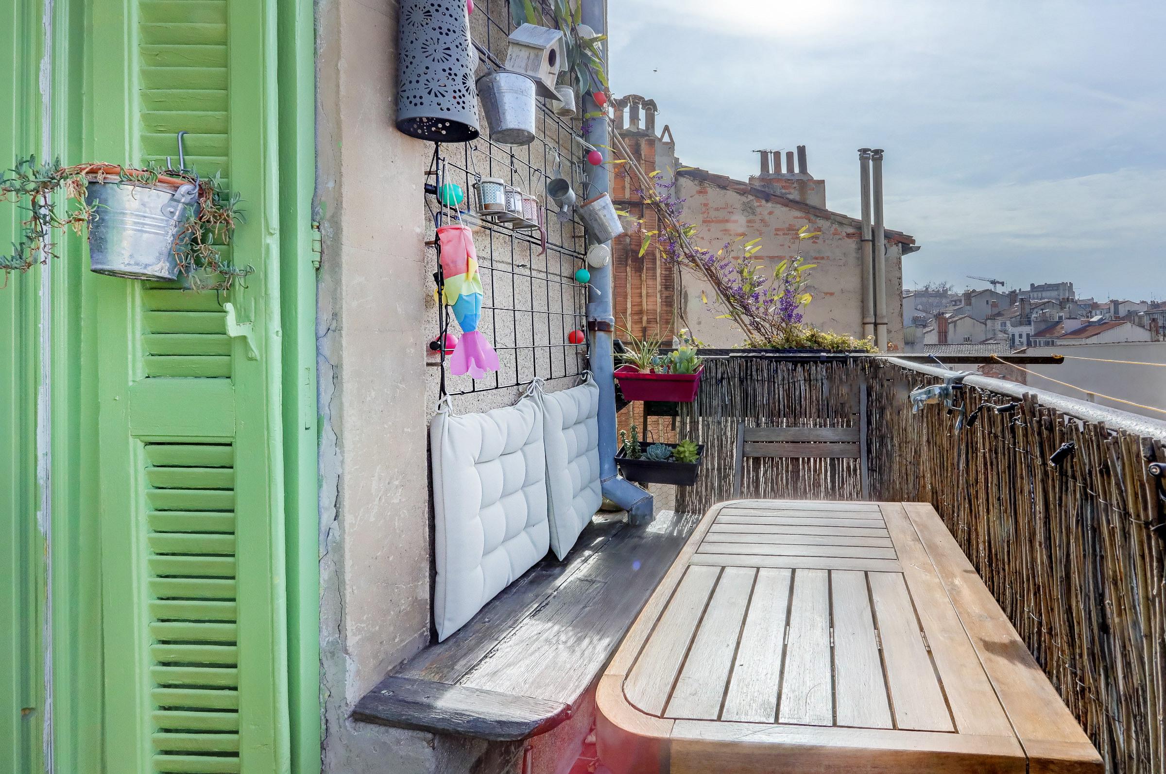 vue_imprenable_marseille_T3_balcon_reformés_03