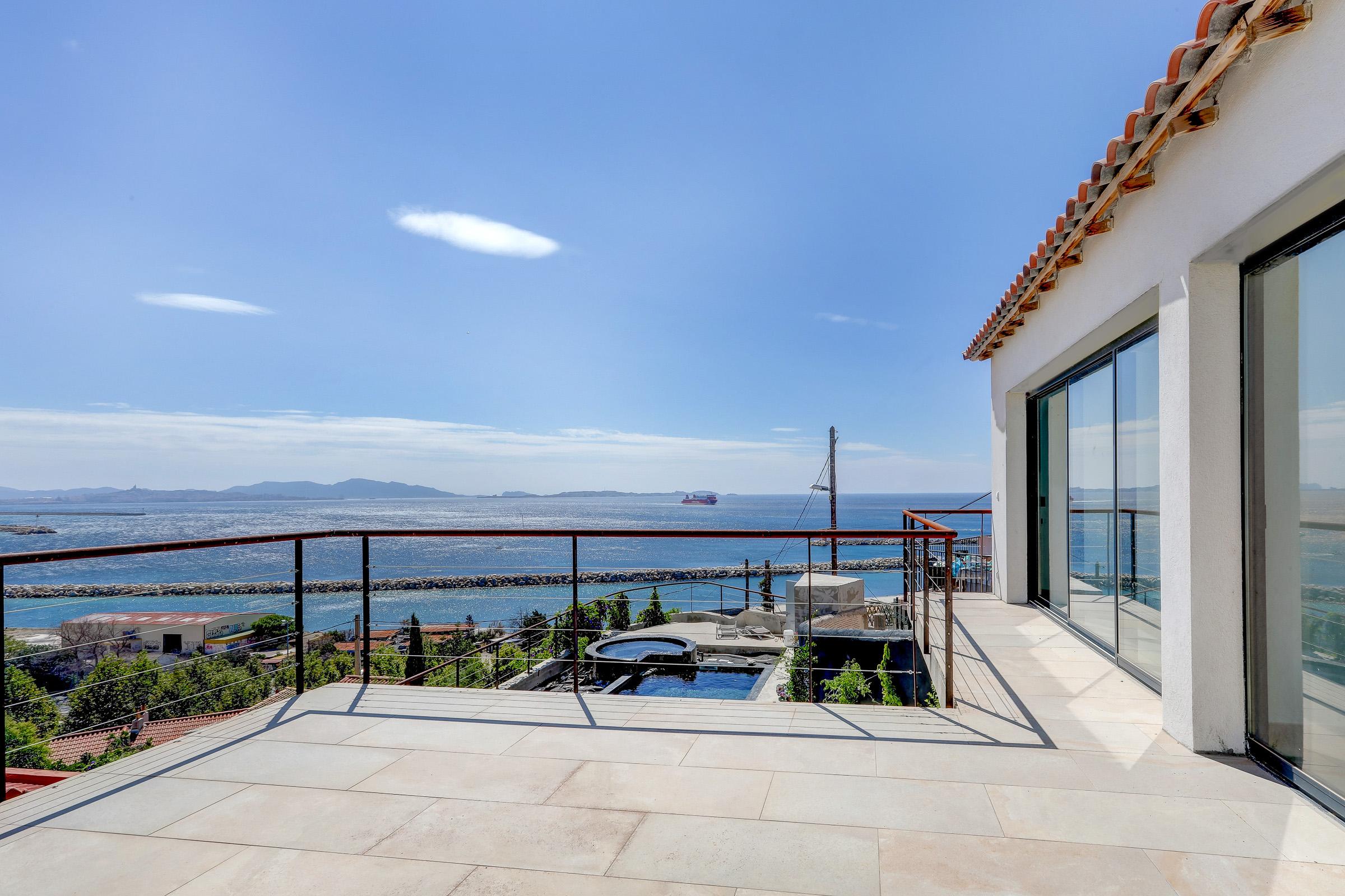 ma-terrasse-a-marseille-maison-piscine-vue-mer-13006-19
