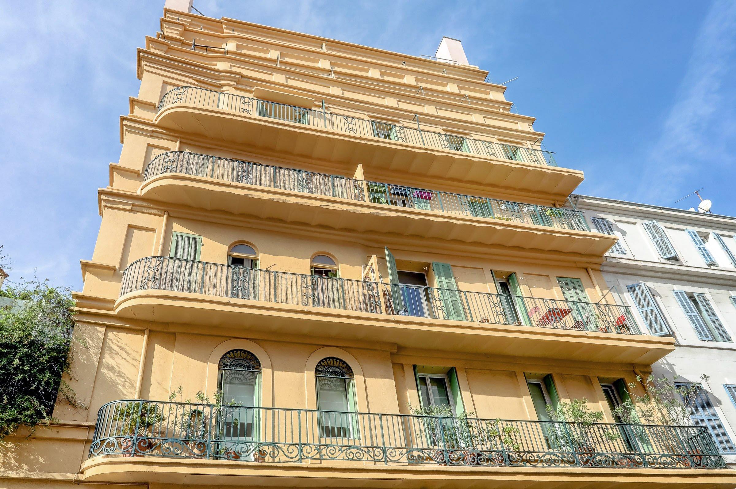 facade_marseille_endoume_13007_vueimprenable_notredame_labonnemere_appartement_13007
