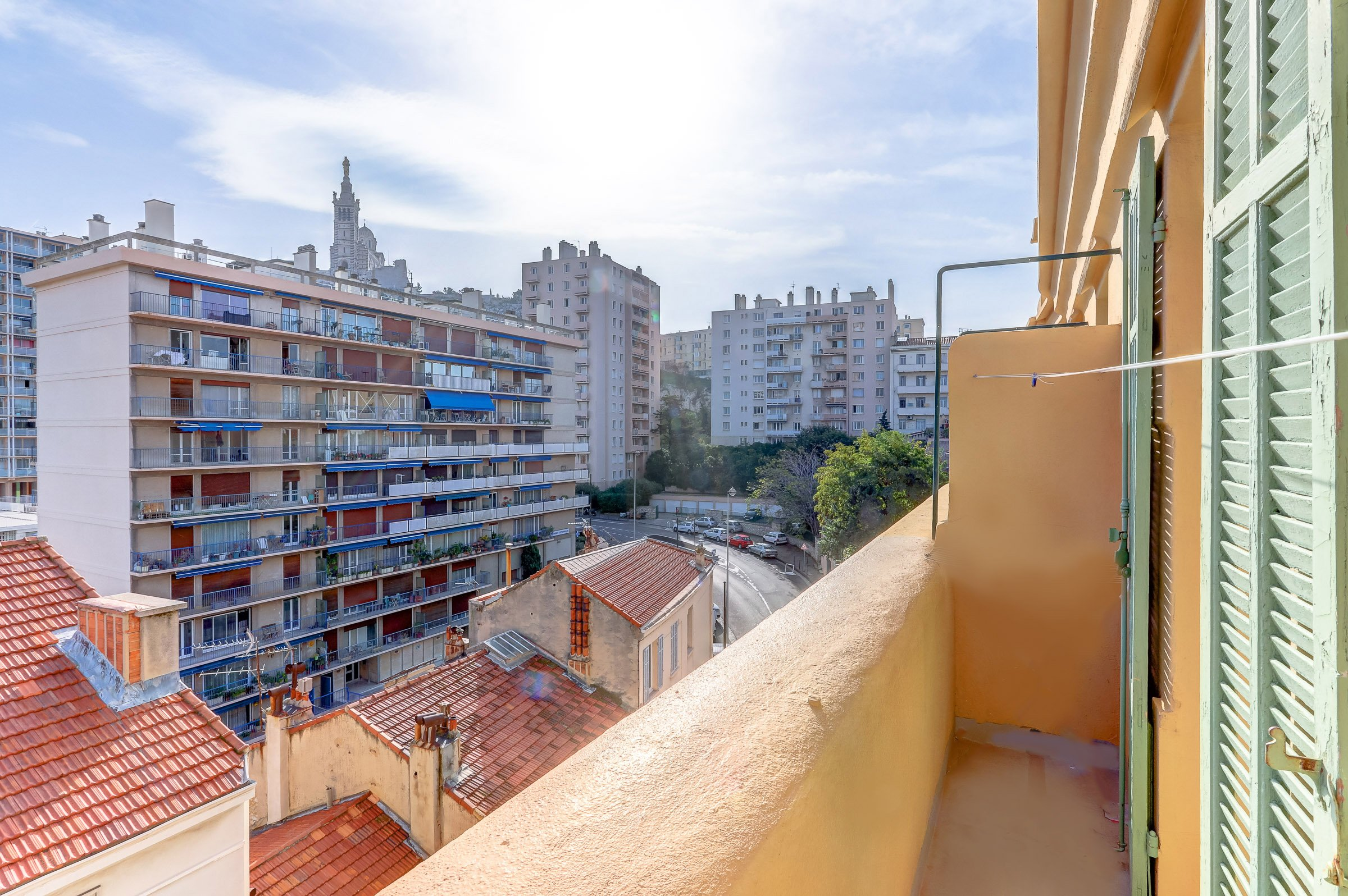 facade_marseille_endoume_13007_vueimprenable_notredame_labonnemere_appartement_13007_balcon