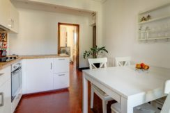 facade_marseille_endoume_13007_vueimprenable_notredame_labonnemere_appartement_13007_cuisine