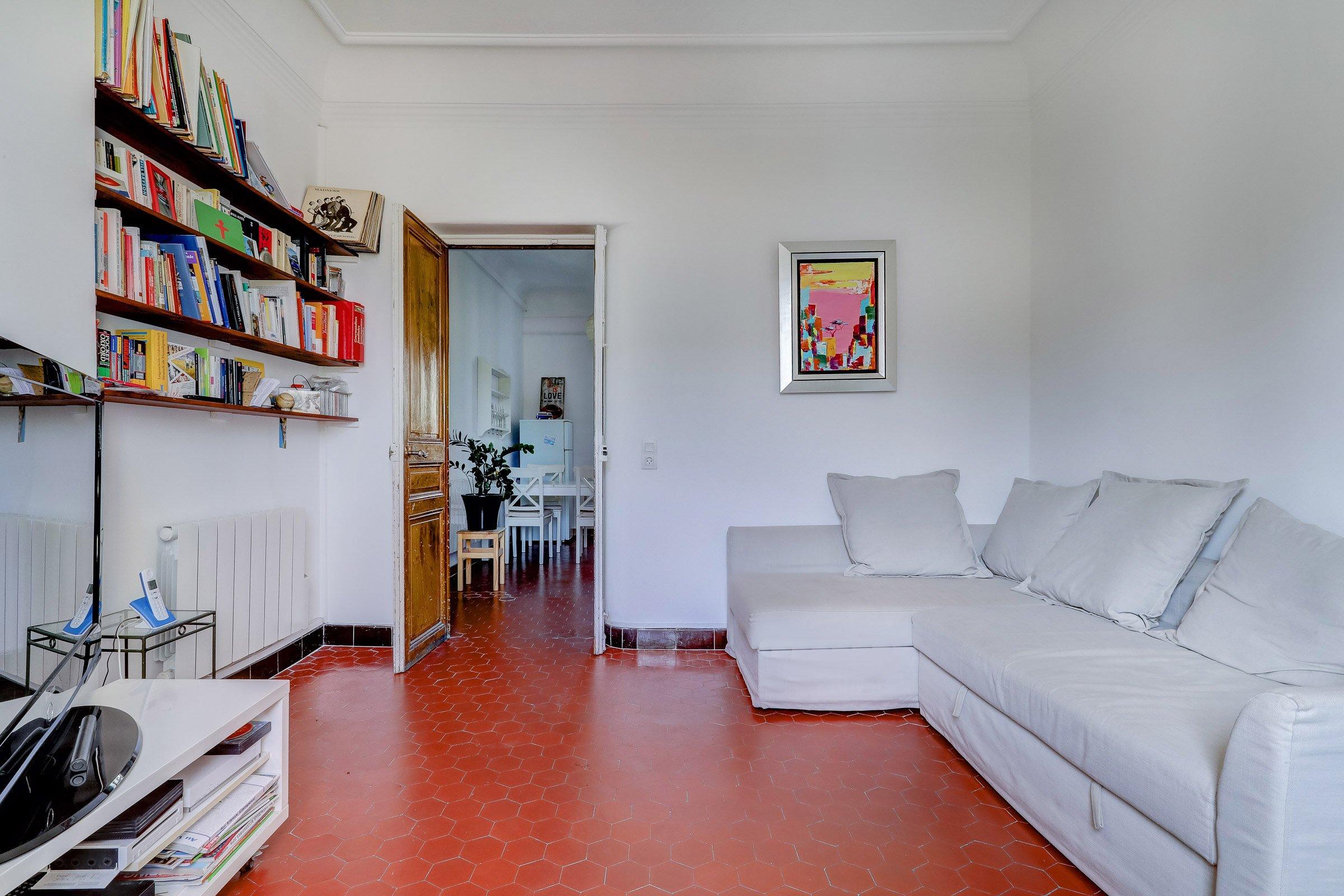 facade_marseille_endoume_13007_vueimprenable_notredame_labonnemere_appartement_13007_salon